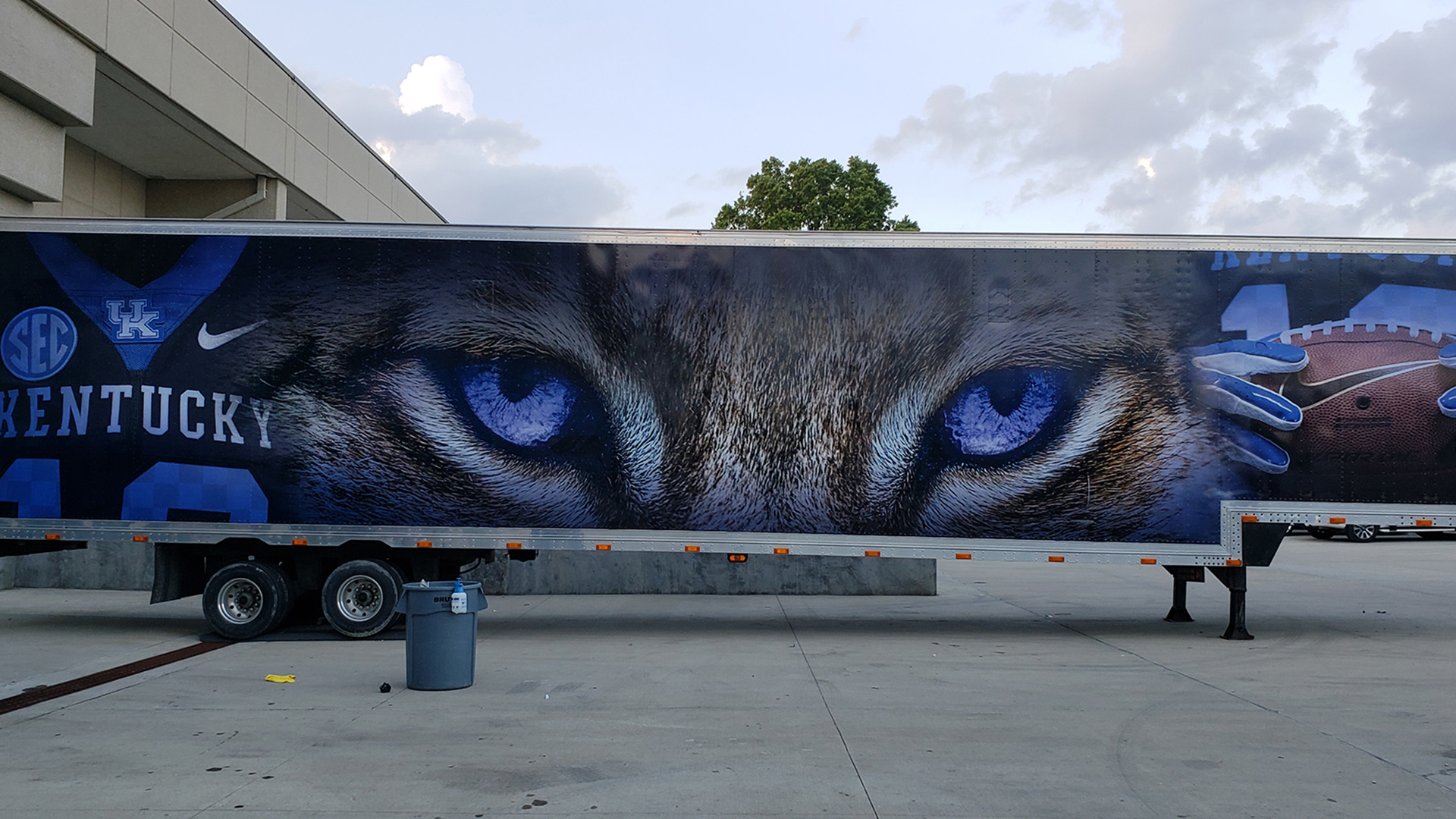 Wildcat trailer truck wrap
